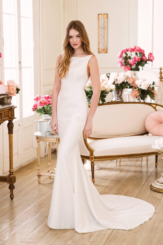 Schlichtes elegantes Brautkleid aus Krepp  Sweetheart 19